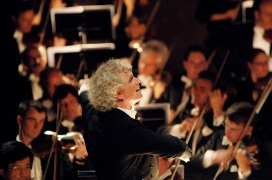 Sir Simon Rattle and Berliner Philharmoniker - Photo by Monika Rittershaus - CC